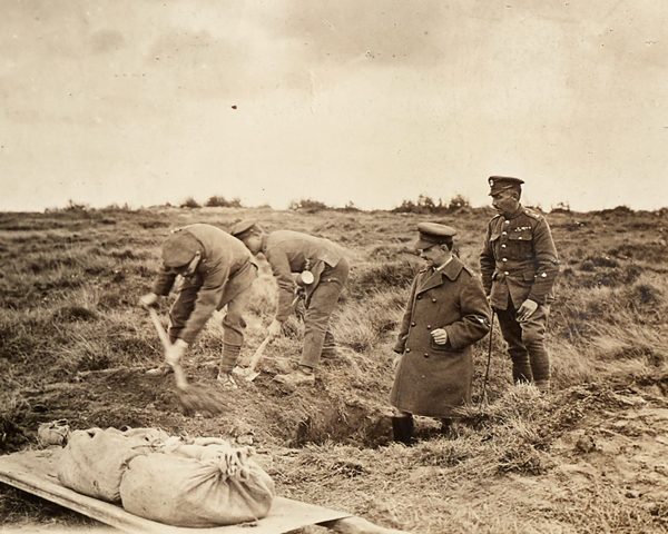 Soldiers exhuming a body on the Western Front, 1919