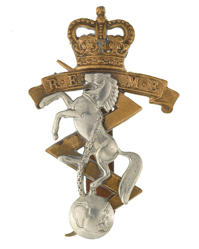 Cap badge, Royal Electrical and Mechanical Engineers, c1954