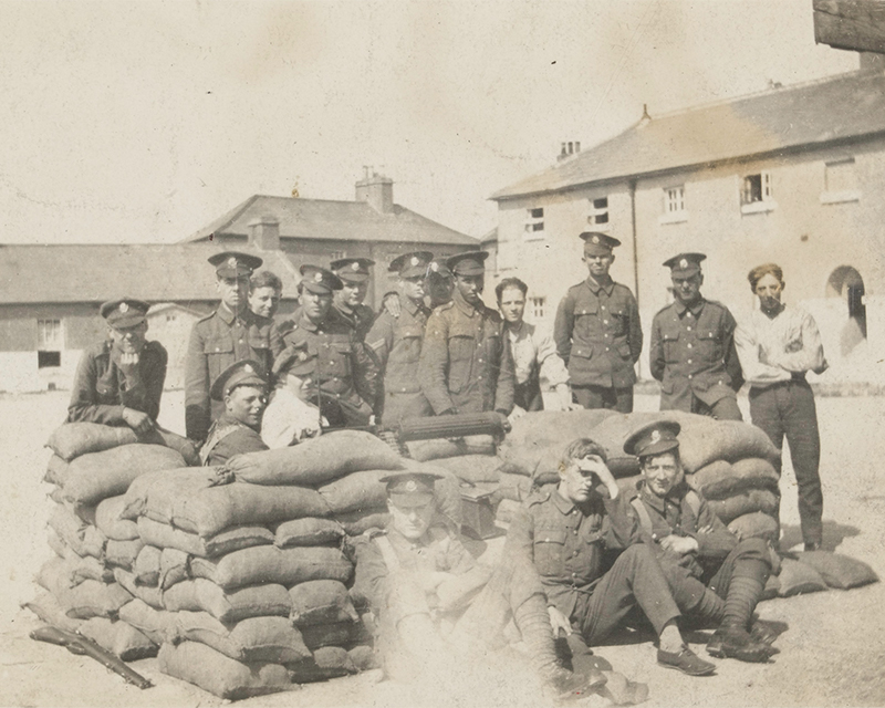Soldiers of the East Yorkshire Regiment around a sand-bagged Vickers gun post, Ireland, 1921