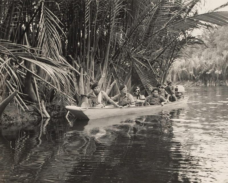 1st Green Jackets patrolling the river near Bekenu in Brunei, December 1962