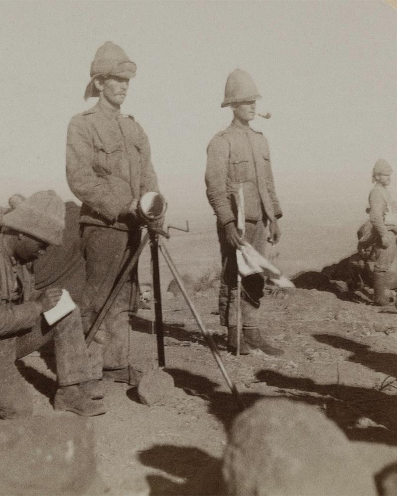 Yorkshire Regiment heliograph team signalling from New Zealand Hill, Boer War, 1900