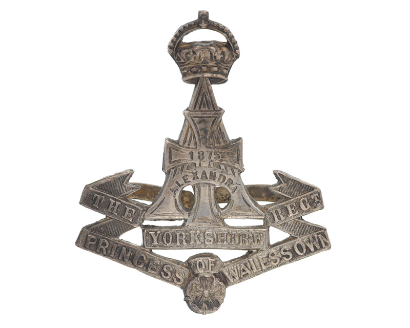 Officer's cap badge, The Green Howards (Alexandra Princess of Wales's Own Yorkshire Regiment), c1904