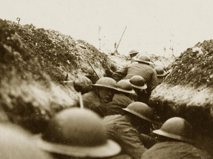 A raiding party in a trench, 1916