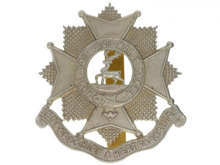 Other ranks' cap badge, The Bedfordshire and Hertfordshire Regiment, c1924-c1958