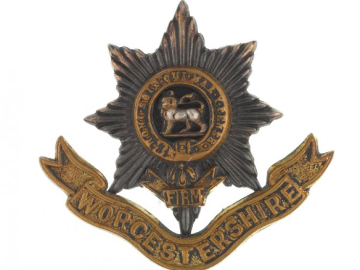 Cap badge, The Worcestershire Regiment, c1904