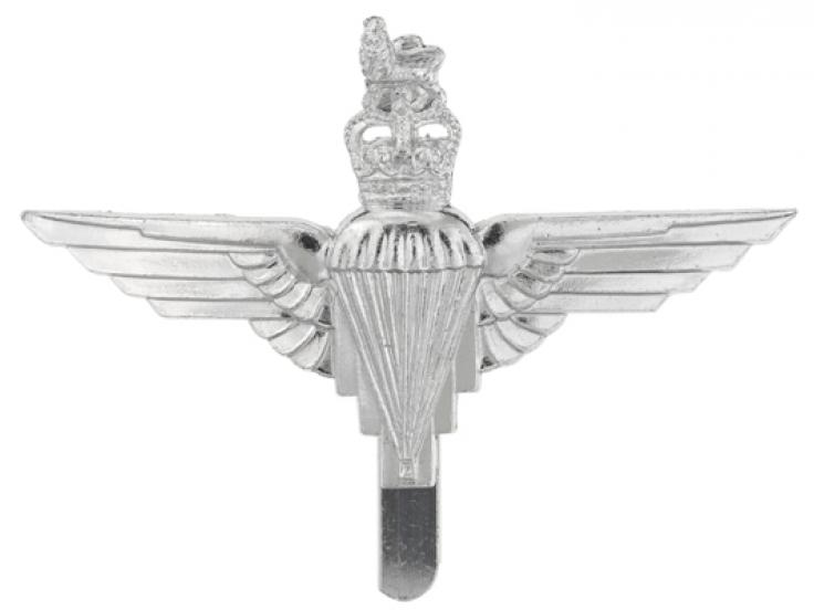 Other ranks cap badge, The Parachute Regiment, c1973