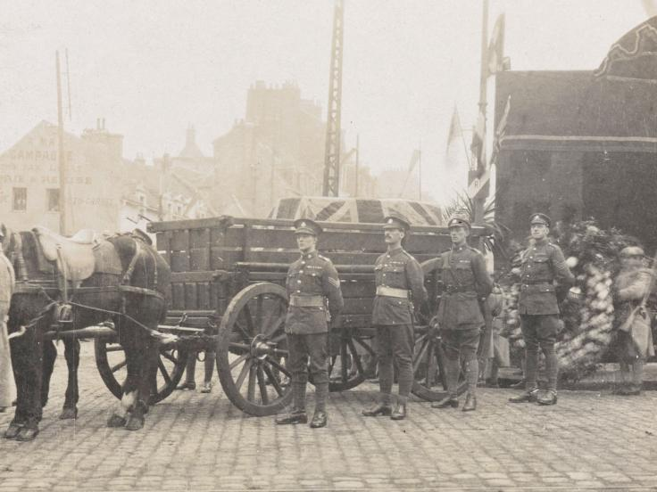 The coffin of the Unknown Warrior borne in a wagon with a guard of Allied soldiers, 10 November 1920