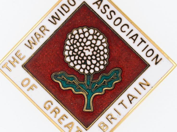 Lapel badge, War Widows Association of Great Britain, 2018