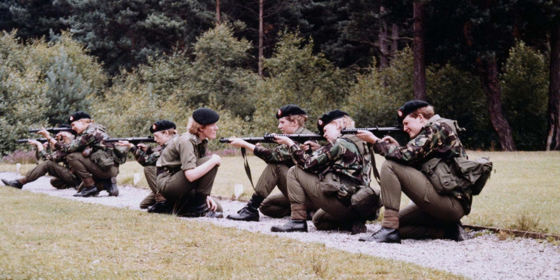 WRAC arms training at Guilford