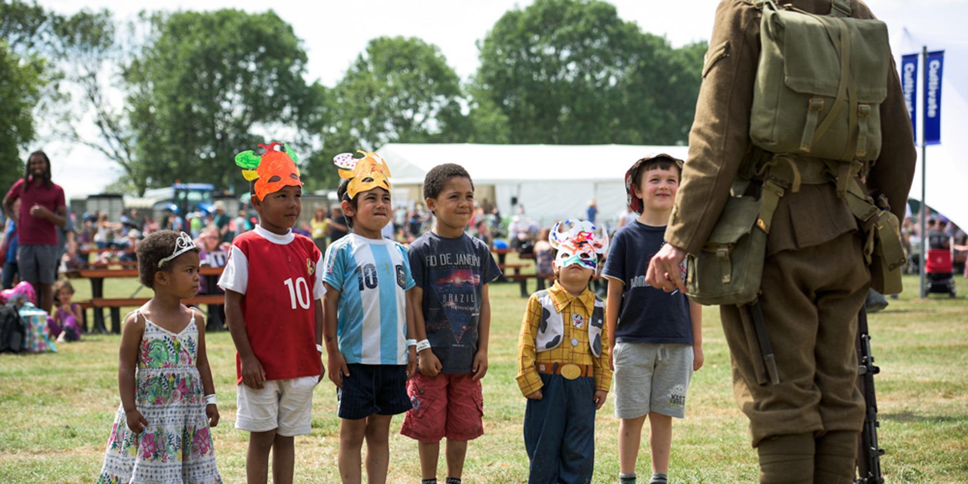 Children with First World War soldier