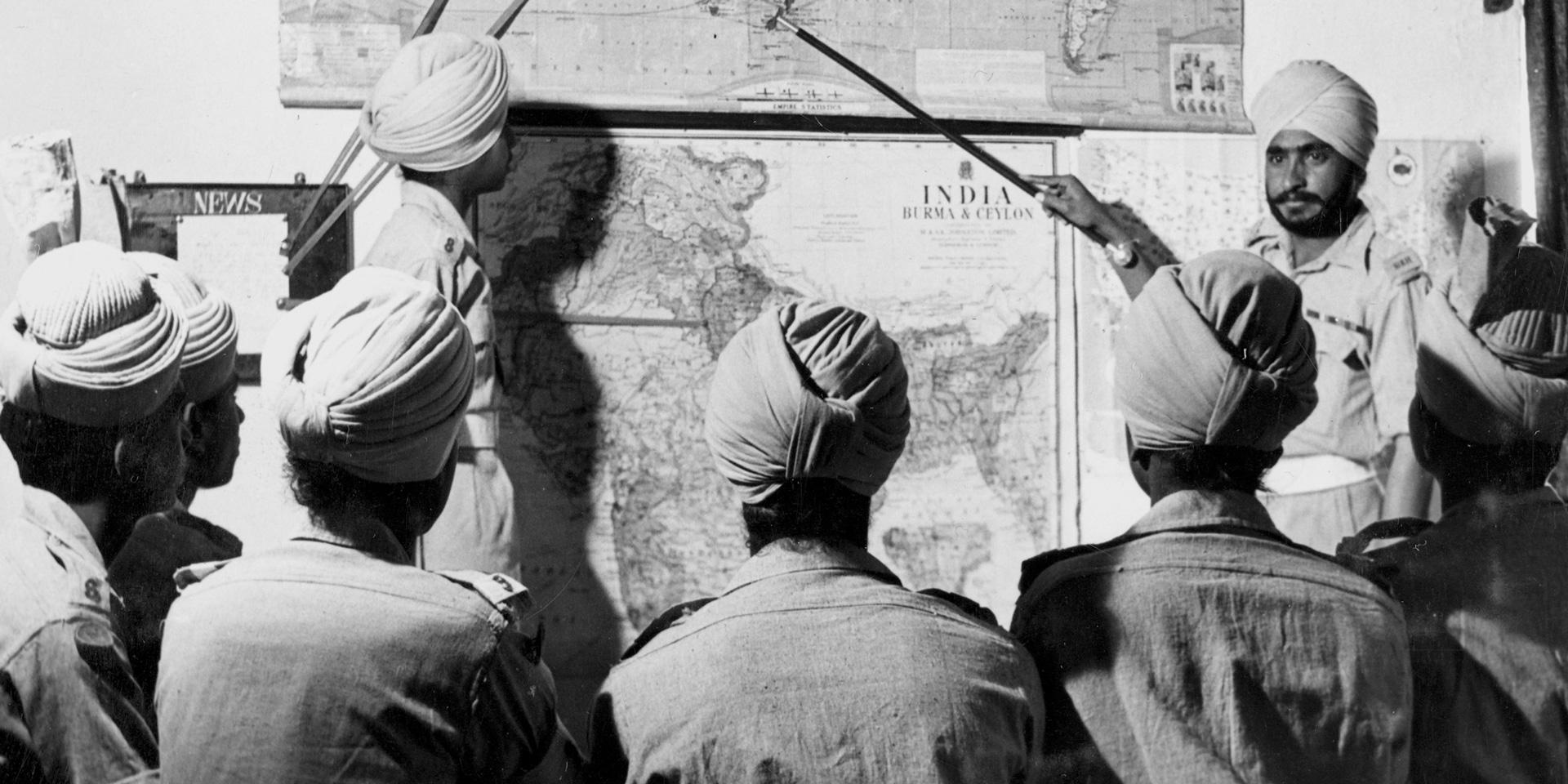 Map briefing for Sikh recruits, 1947