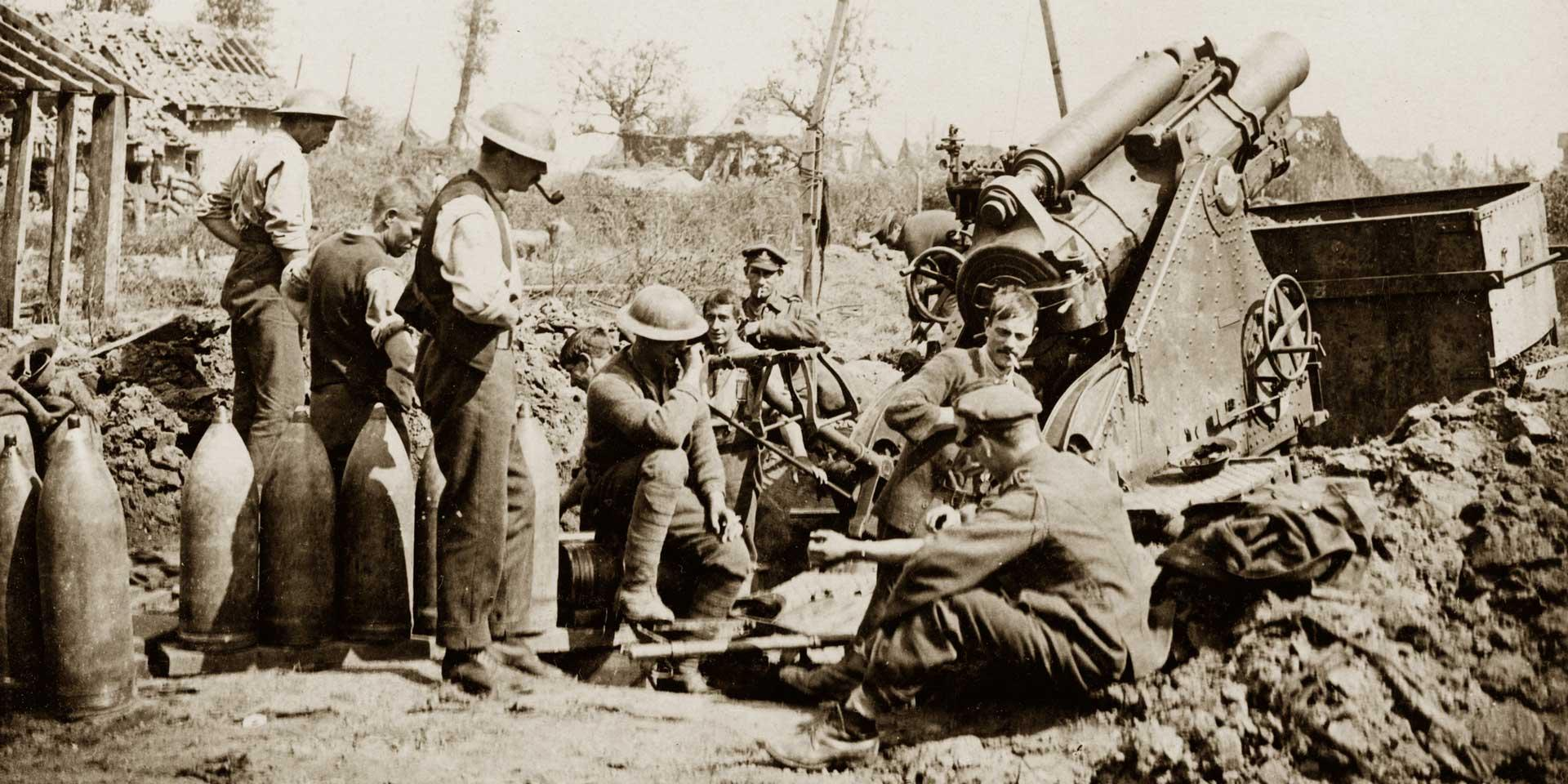 British gunners take a break during the bombardment of Zonnebeke, 1917
