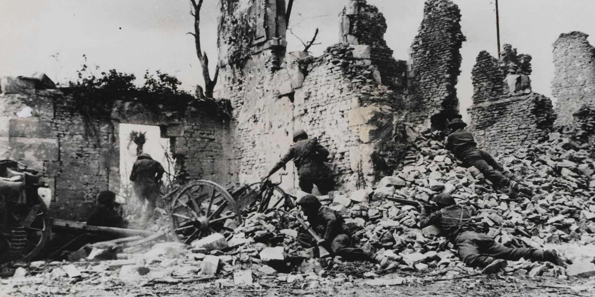 Fighting in the ruins of Caen, 1944