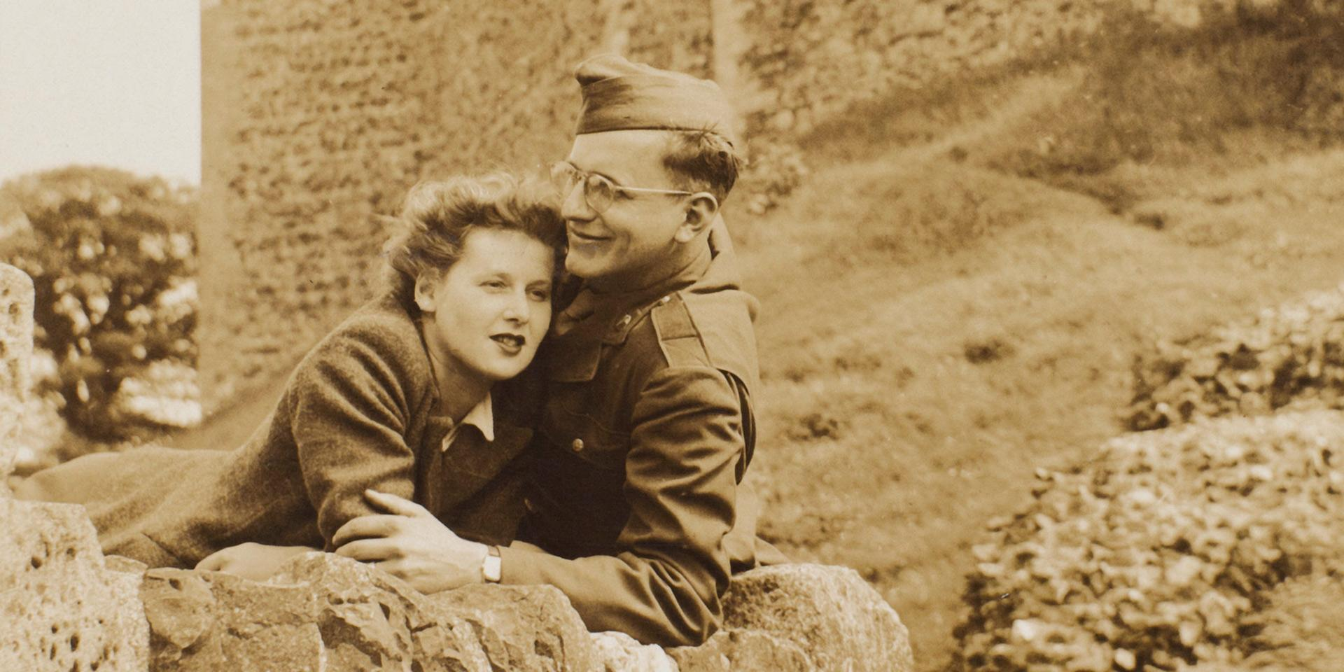 Heather with Rick, an airman of the US 390th Bomb Group, at Framlingham Castle.