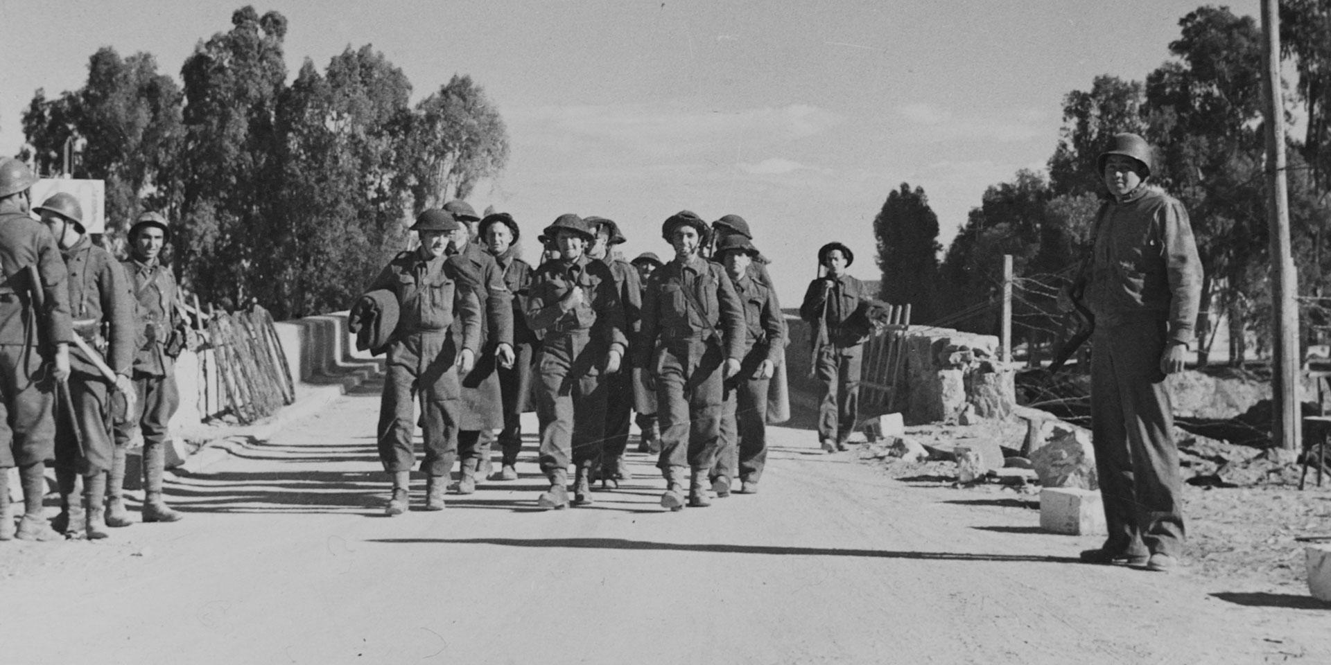 Soldiers of the Hampshire Regiment near Medjez-el-Bab, Tunisia, 1943