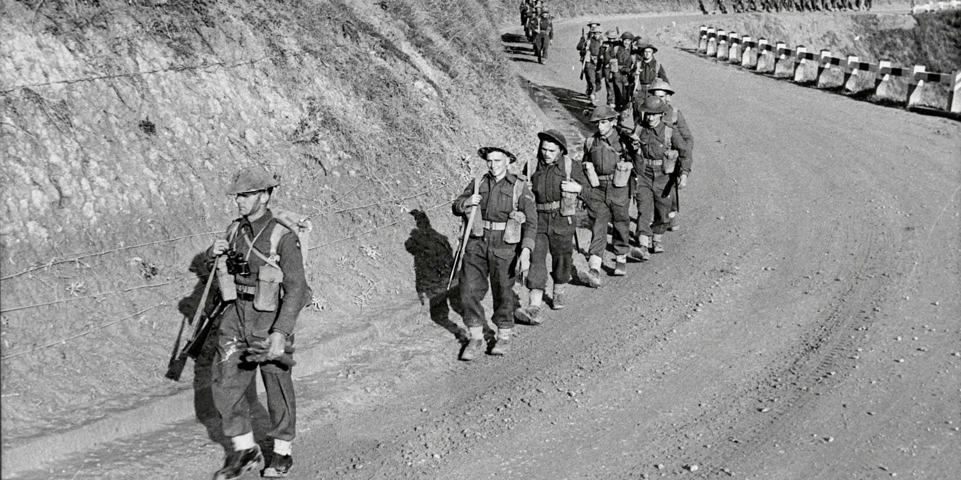 1st Battalion, The East Surrey Regiment advancing on the Sangro front, Italy, 1943