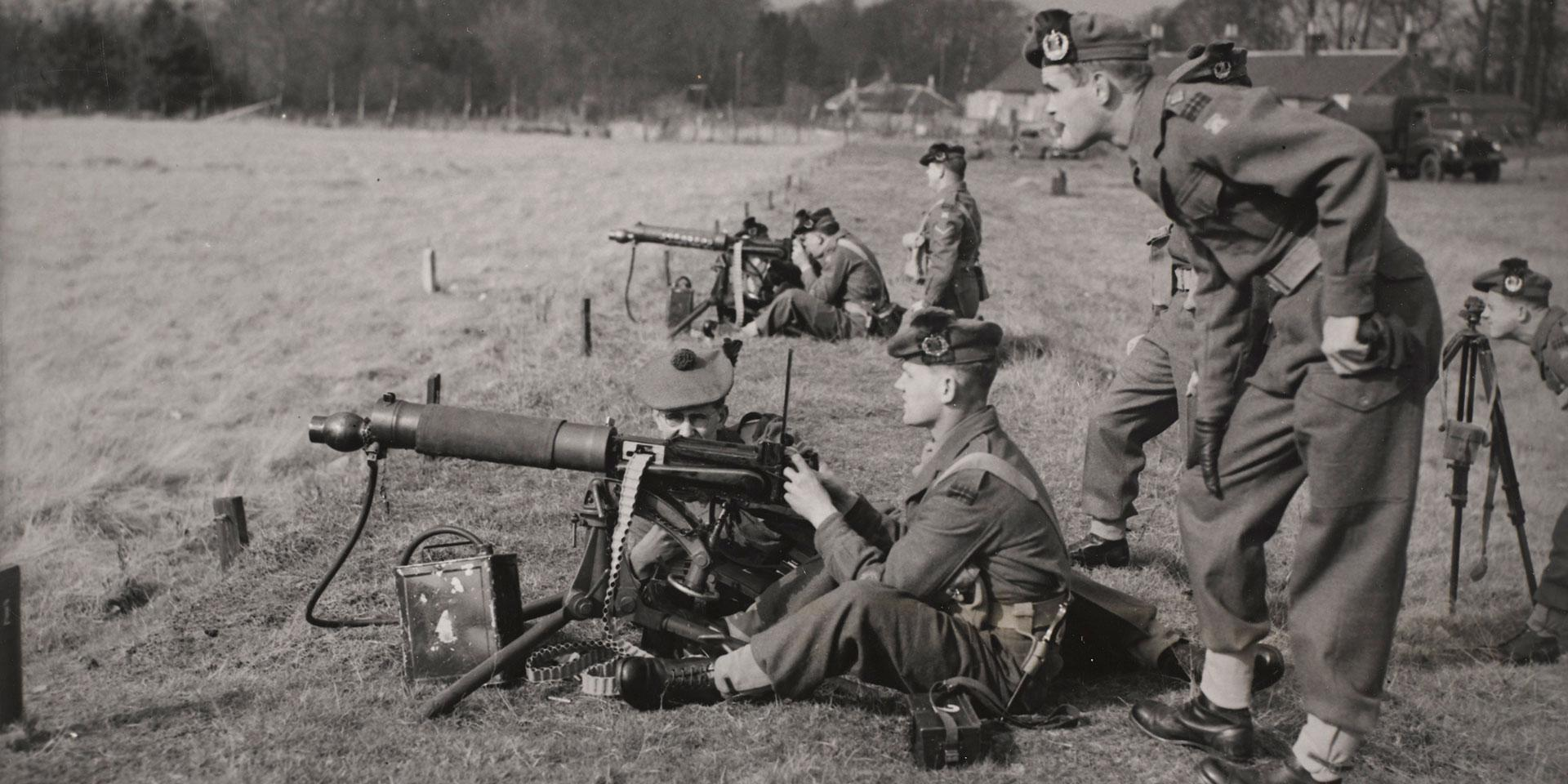 Queen's Own Cameron Highlanders Vickers machine gun training, c1955