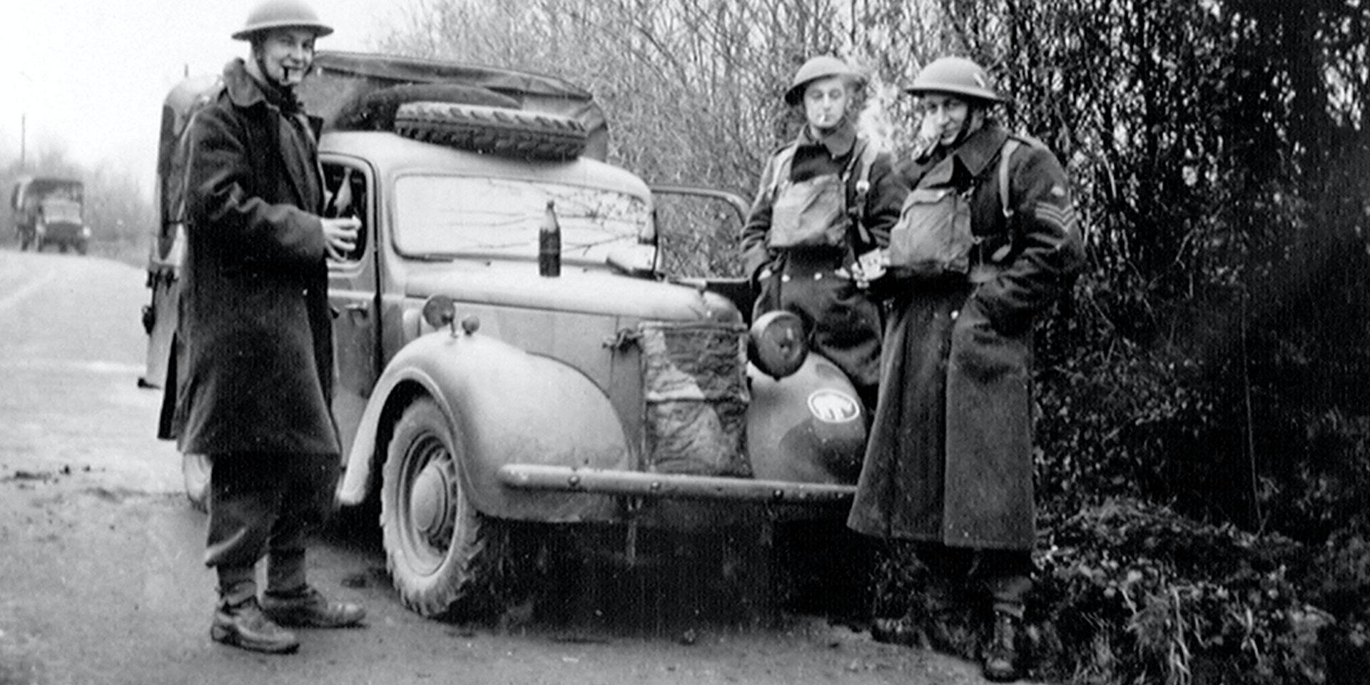 'Halt in the echelon', Austin 10 light utility truck, 3rd County of London Yeomanry (Sharpshooters), Chidingfold, Surrey, 1940