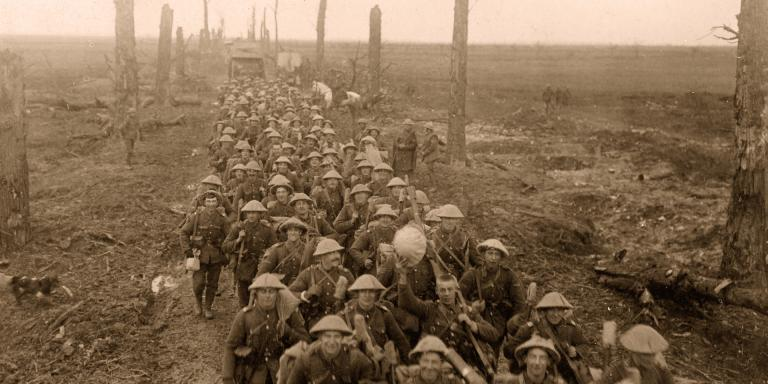 Men of the Sherwood Foresters advancing on the Western Front, 1917