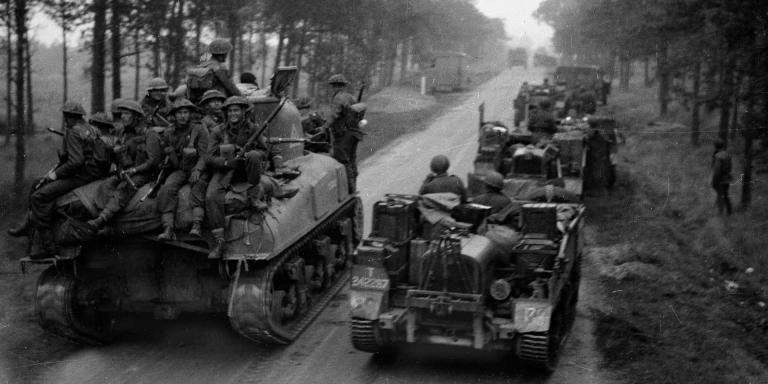 Units of the Dutch Prinses Irene Brigade moving up to the attack, 1944