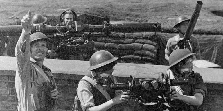 ATS personnel manning anti-aircraft defences, 1942