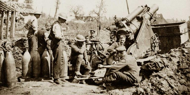 British gunners take a break during the bombardment of Zonnebeke, 1917