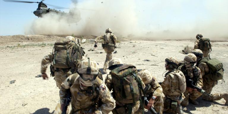 Soldiers of 1st Battalion The Royal Welch Fusiliers in Iraq, July 2004
