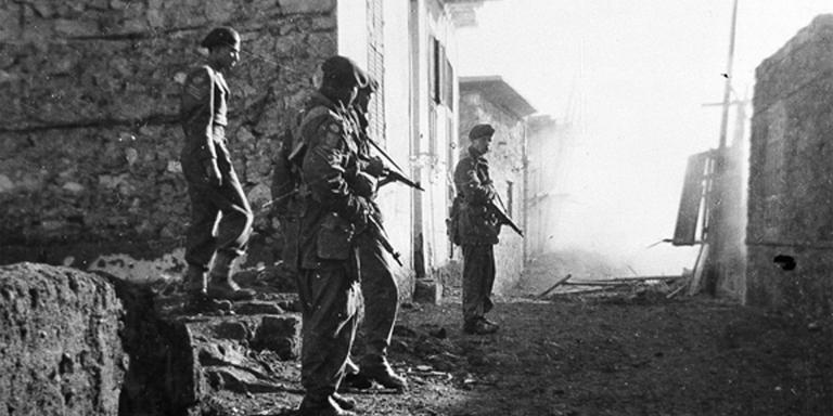 Soldiers patrolling in Ismailia, Egypt, December 1951