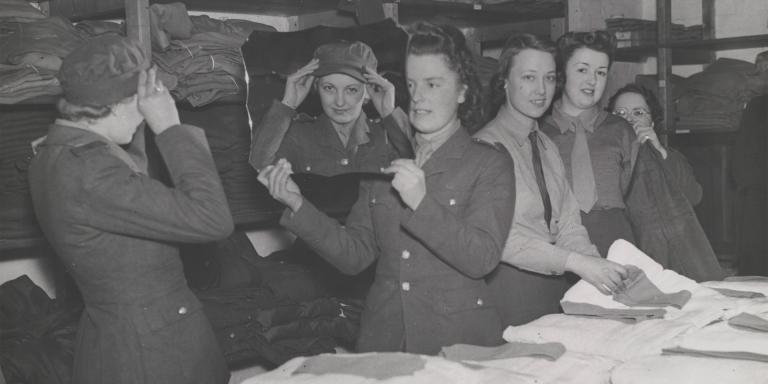 Issuing kit to ATS recruits, c1939