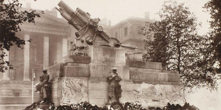 The Royal Artillery Memorial, Hyde Park Corner, London, 1925